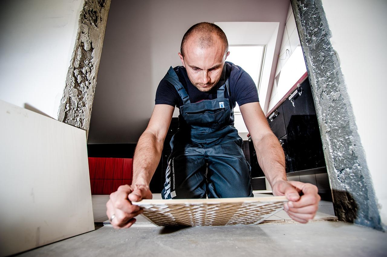 fliesen selber verlegen heimwerker tipps tricks. Black Bedroom Furniture Sets. Home Design Ideas